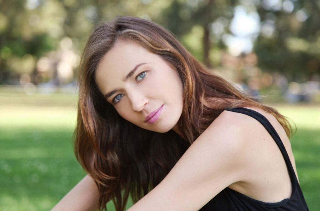 Iris Svis Q AND A CELEBZ TREASURE