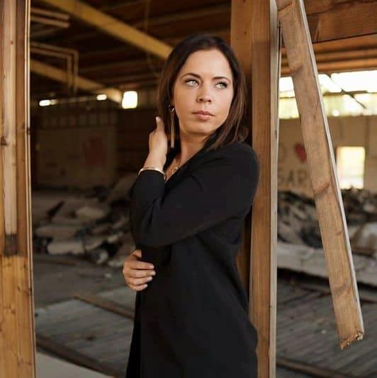 Veronika Esslinger actress